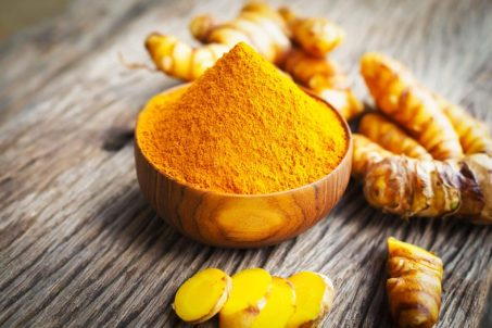 01-tumeric-Does-Turmeric-Live-Up-To-All-Its-Hype_569940847-Lifestyle_Studio-1024x683